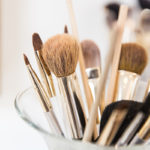 Makeup-Equipment und Pinsel