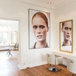 Friseursessel mit Spiegel