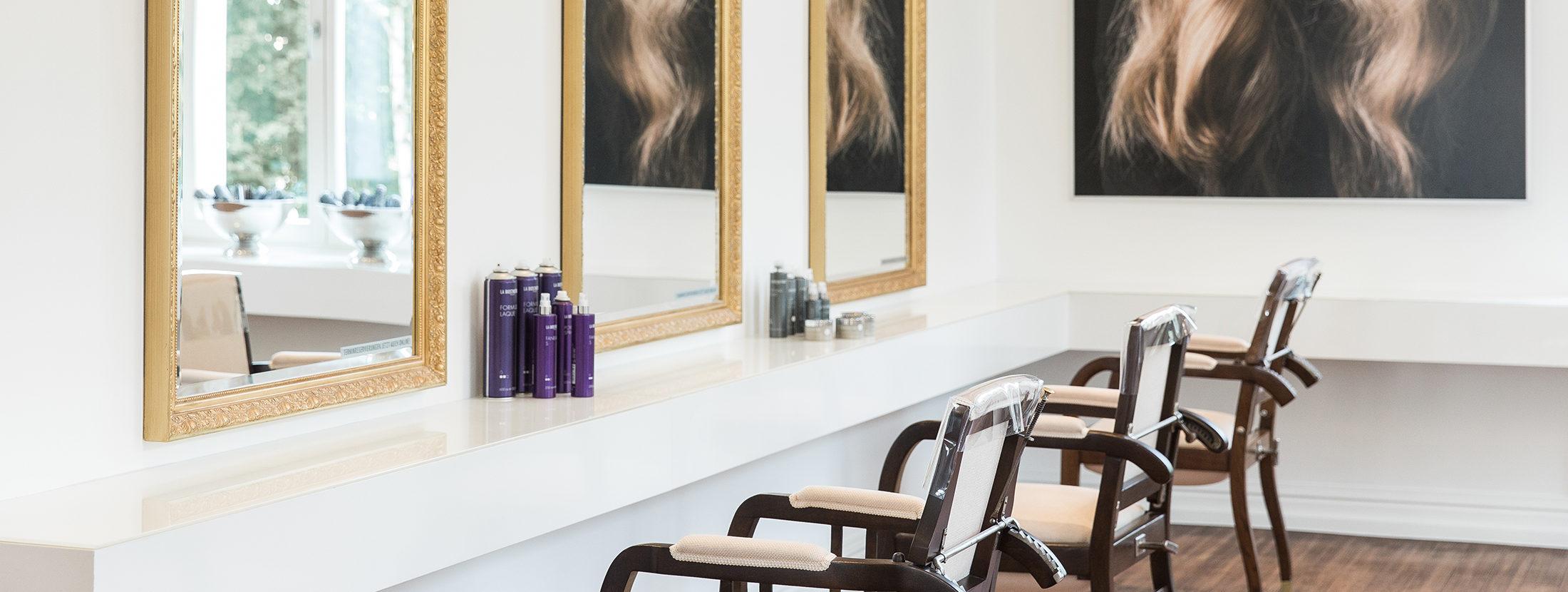 Unsere Friseur-Stühle mit Spiegeln
