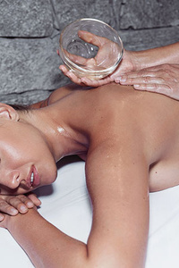Oil Spa Rücken – Massage & Peeling